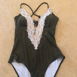 Cupshe 'Wish you well' one piece bathing suit